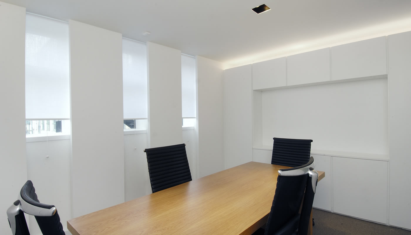 Blind Fitters Around London