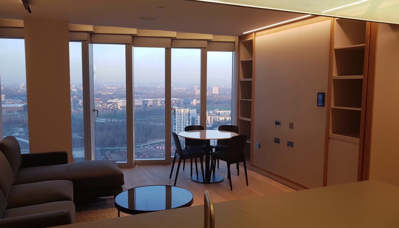 manhattan-loft-gardens-blinds-in-room-2